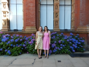 Best sisters in the V&A Museum park